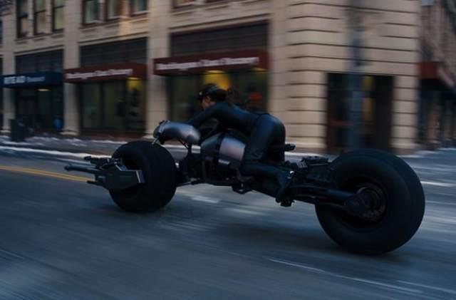 Catwoman Batpod Batman motorcycle