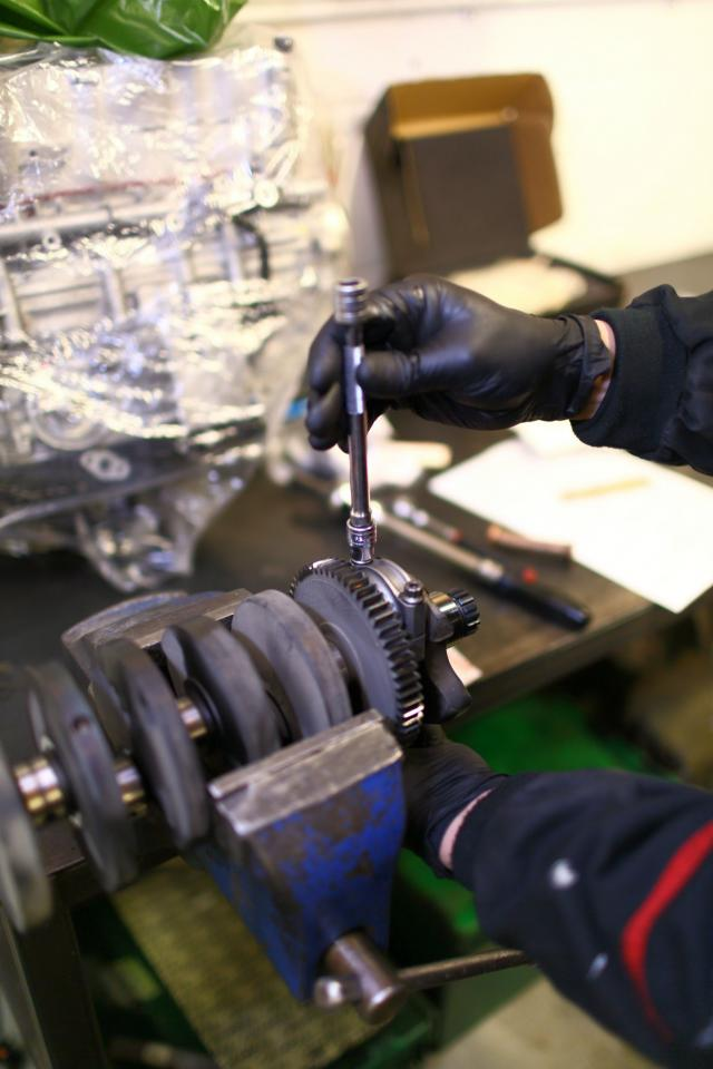How to… fit new big end and main bearings - 5