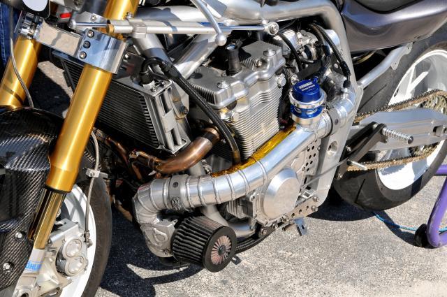 Colin Stannard's Spondon-framed Suzuki Bandit