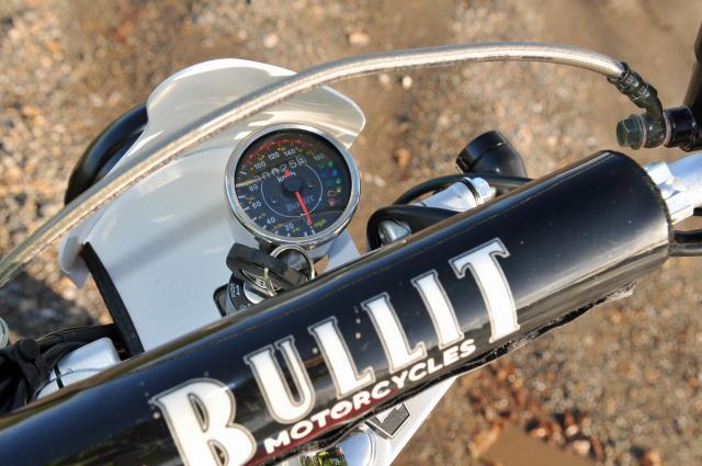 Bullit Hero 125 clocks