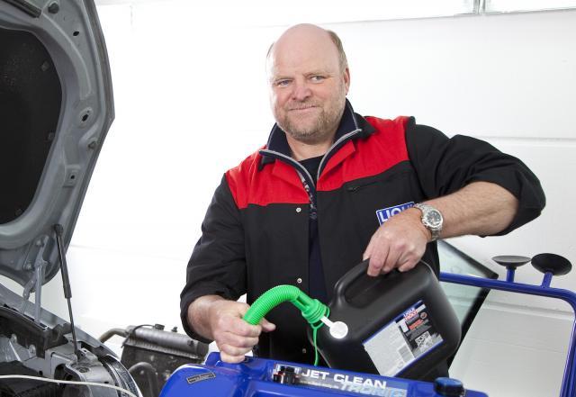 LIQUI MOLY Oil engineer Dietmar Schmid