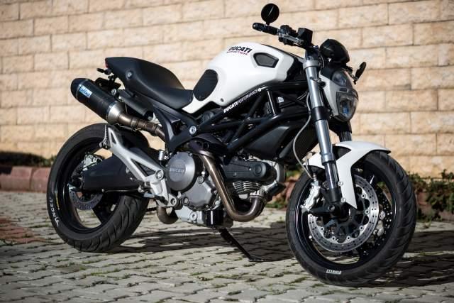 Ducati_Monster_696_2013.jpg