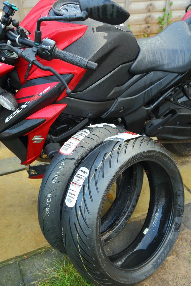 GSX-S750 Avon tyres