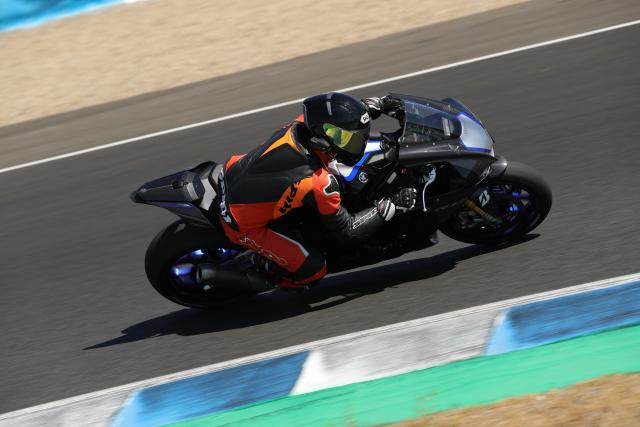 Yamaha YZF-R1 and YZF-R1M (2020) review