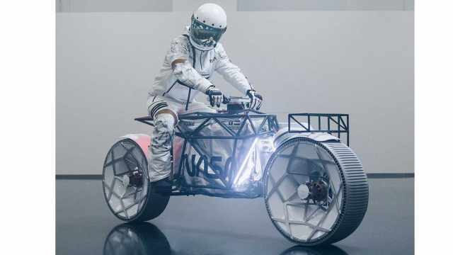 If NASA were to build a motorcycle, what would it look like? Probably this.