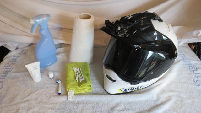 How to clean your motorcycle helmet