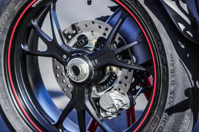 ​​Ducati Hypermotard 950 SP wheel