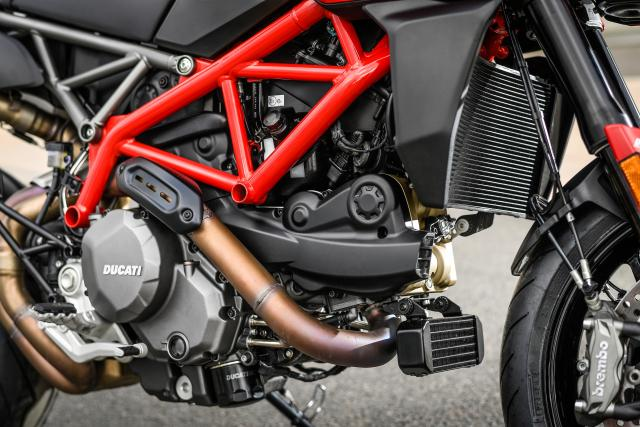 Ducati Hypermotard 950 engine