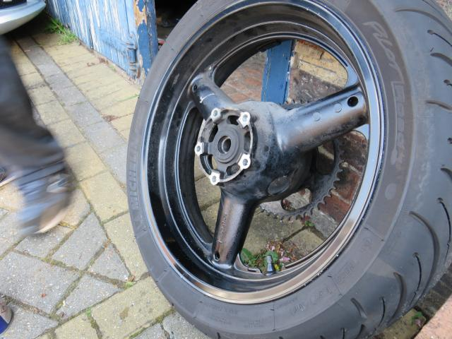 Sv650s rear wheel