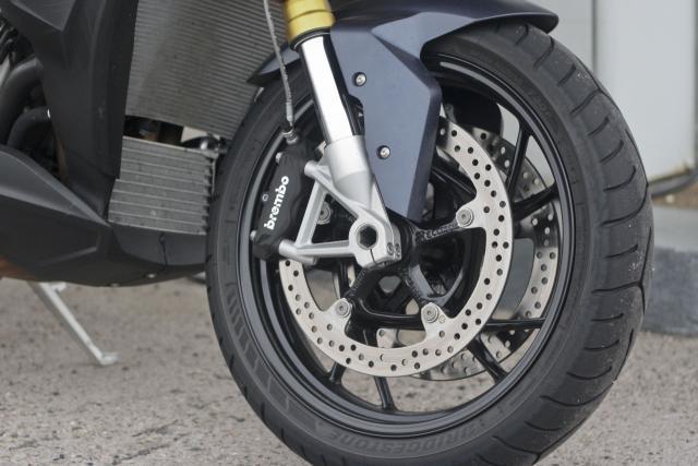 BMW S1000XR brakes