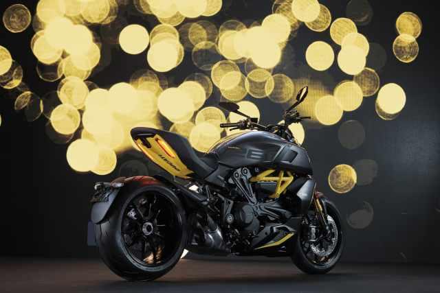 MY22_Ducati_Diavel_1260_S _5__UC294024_High.jpg