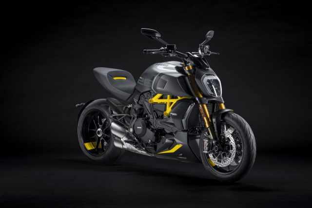 MY22_Ducati_Diavel_1260_S_01 _4__UC293430_High.jpg