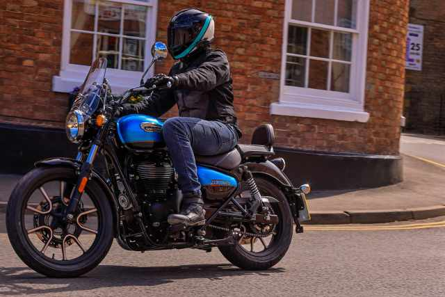Meteor 350 town riding review