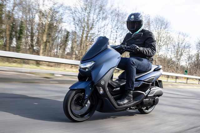 Yamaha NMAX 2021 fast speeds