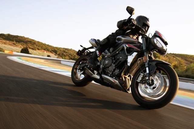 Triumph Street Triple RS - Moto2 765 engine