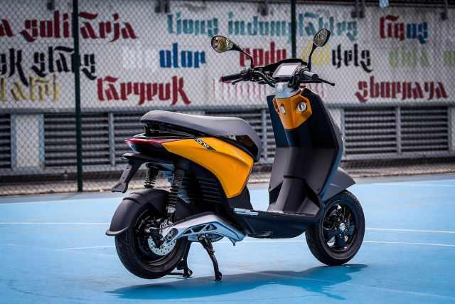 Piaggio ONE scooter