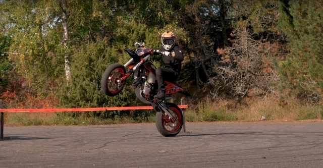 Arttu Stenburg KTM supermoto stunts