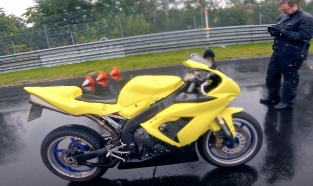 Andy Carlile, lap of the Nordschleife, Yamaha R1