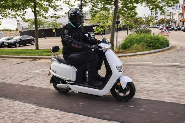 Sunra Robo-S electric riding review