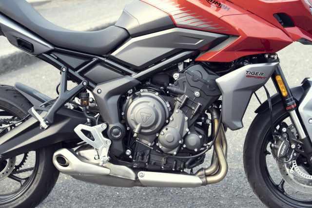 Tiger Sport 660 triple engine