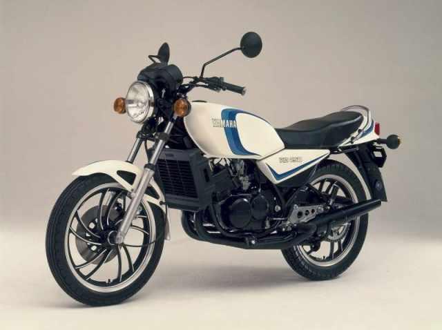 Yamaha RD250LC 80 1.jpg