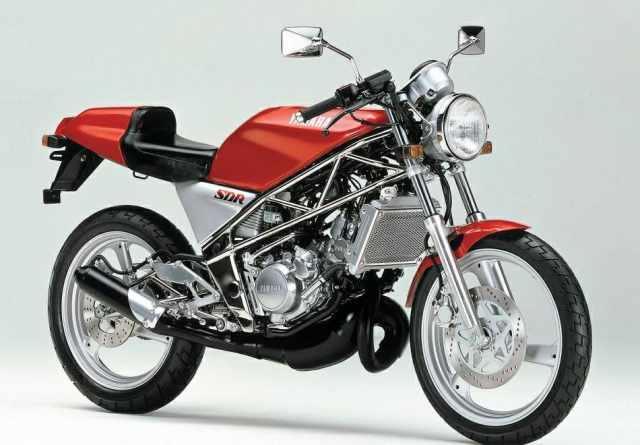 Yamaha SDR200 87 1.jpg