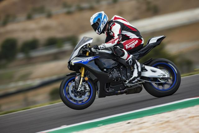 First Ride: 2018 Yamaha R1M review