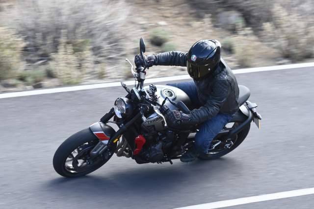 Triumph Trident specs features and details