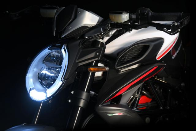 Updated MV Agusta Dragster 800 RR revealed at Eicma
