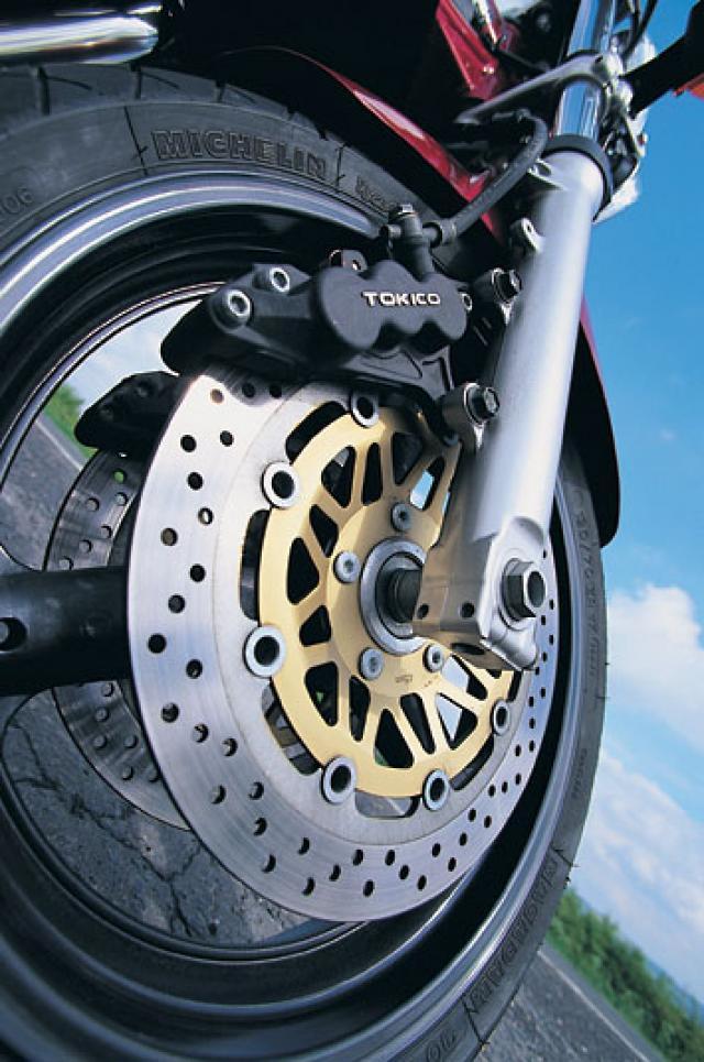 Splitting heirs: Suzuki GSF600 V GSF1200 | Visordown
