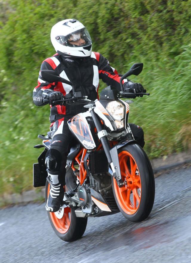 First ride: KTM Duke 390 review   Visordown