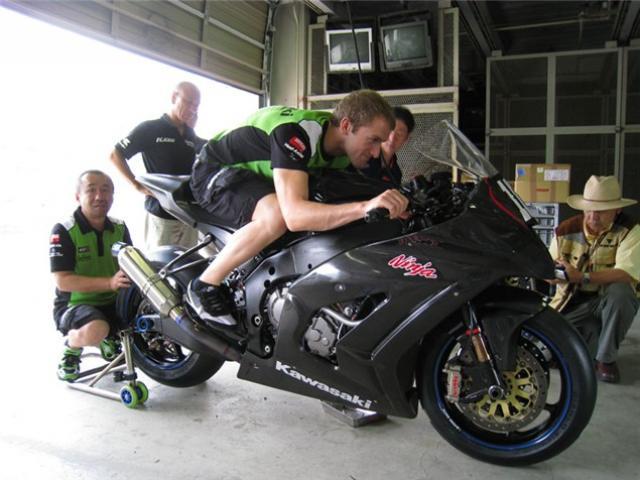 2011 Kawasaki ZX10R spied | Visordown