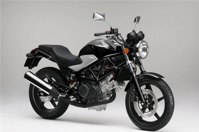 First Look: 2011 Honda VTR250 | Visordown