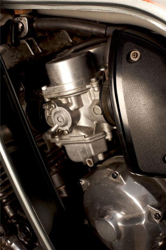 Classic Scrap Honda Cbx1000 Vs Kawasaki Z1300 Visordown