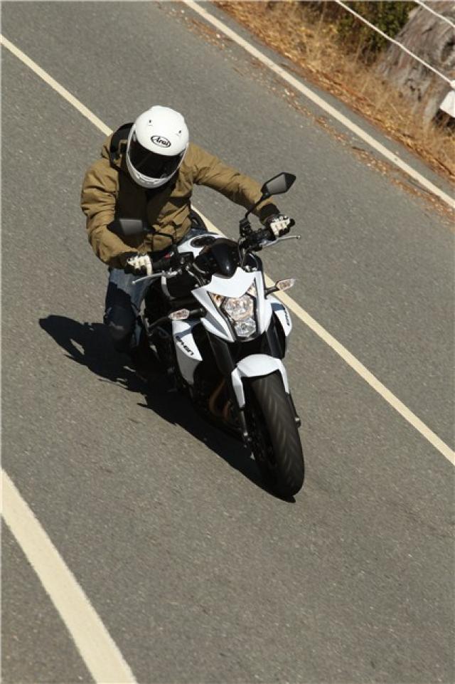 First Ride 2012 Kawasaki Er 6n Review Visordown