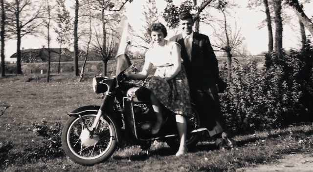classic motorcycle zandbelt
