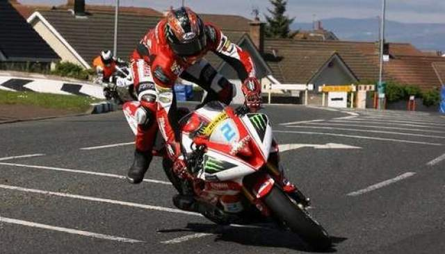 Hutchinson crashes in NW200 Supersport practice