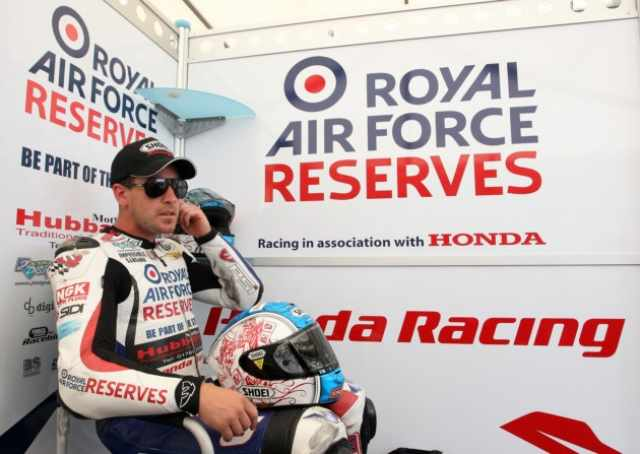 Simon Andrews dies following NW200 crash