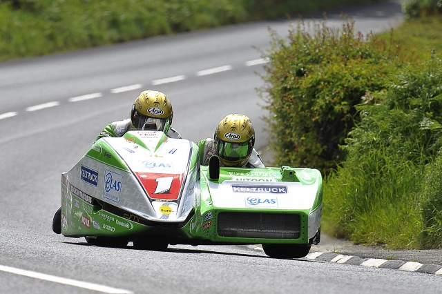IOMTT: Sidecar race 2 and Lightweight TT results