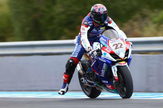 Lowes stays with Crescent Suzuki for 2015