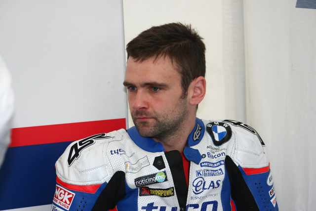 William Dunlop crashes out of TT 2015