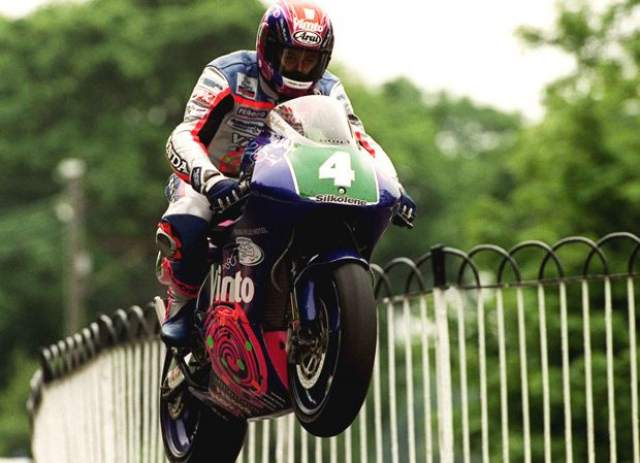 Classic TT to host 250cc two-stroke race