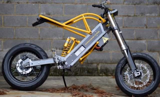 Vet builds lightweight electric motorcycle in his spare time