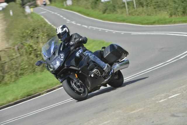 BMW K1600 B video review