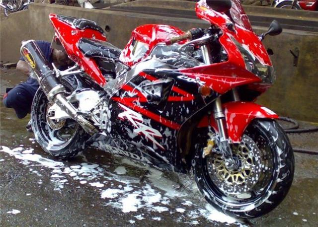 Bike Care and cleaning | Motul External Care motorcycle range