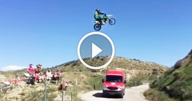 Motorcyclist makes a 100FT jump!