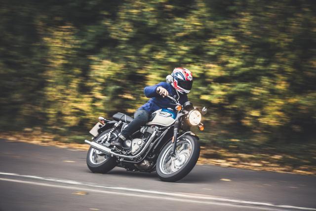 Triumph Bonneville T100 video review