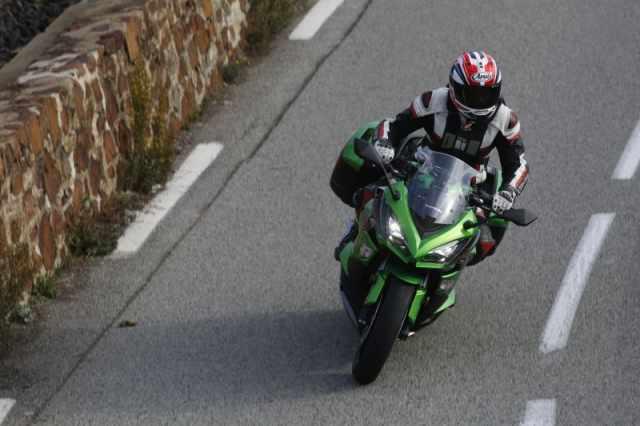 First ride: 2017 Kawasaki Z1000SX review