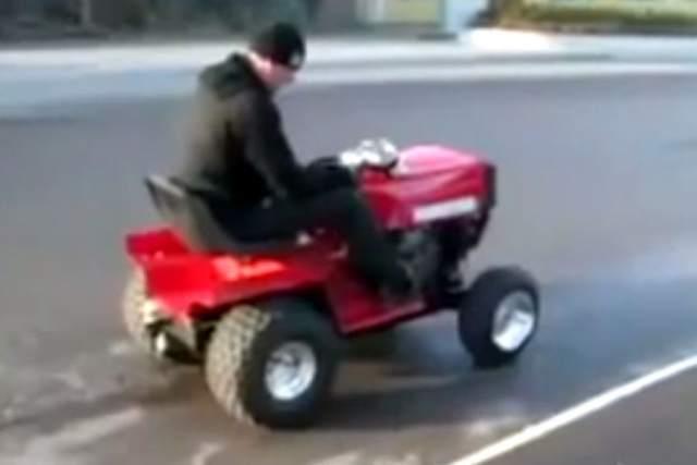 R6 lawnmower