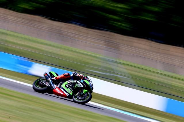 Tom Sykes, Kawasaki Racing Team, Donington Park [Credit: Gold and Goose]